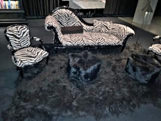 black shaggy rug mona