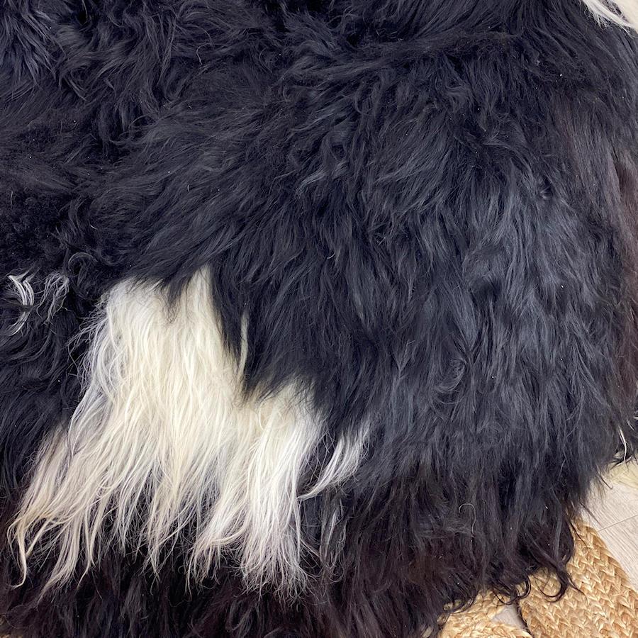 icelandic-sheepskin-bean-bag-white-spot