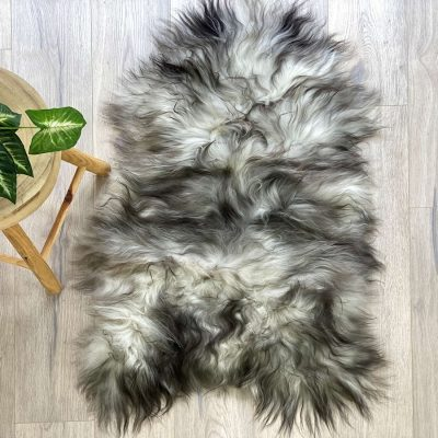 icelandic sheepskin - black streak