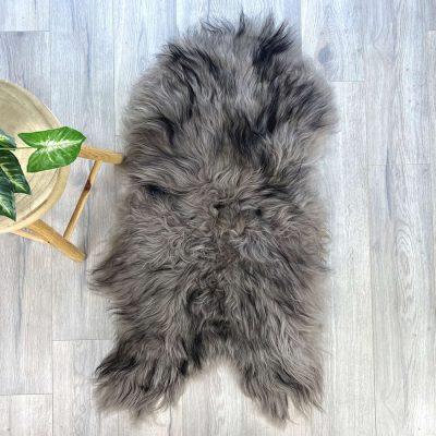 icelandic sheepskin - taupe dark tip